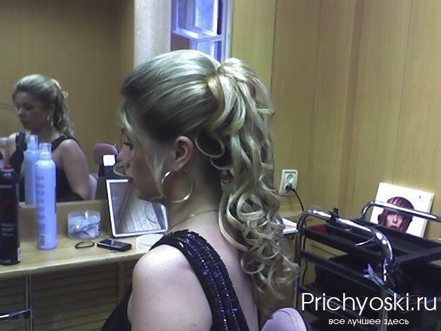 Прически волосы на заколках видео